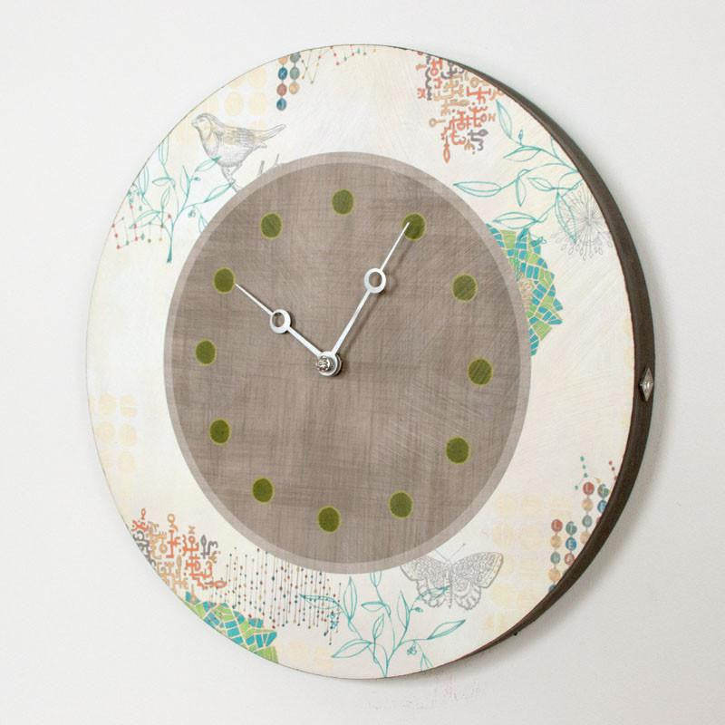 Round Wall Clock in Ecru Journey