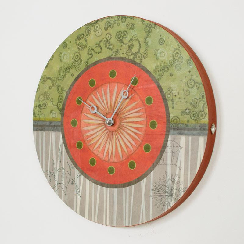 Round Wall Clock in Tang
