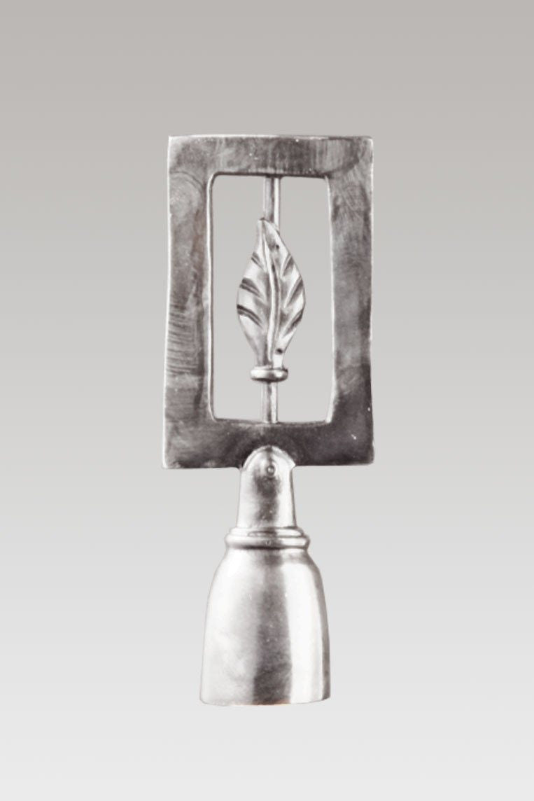 Framed Leaf Finial in Satin Pewter