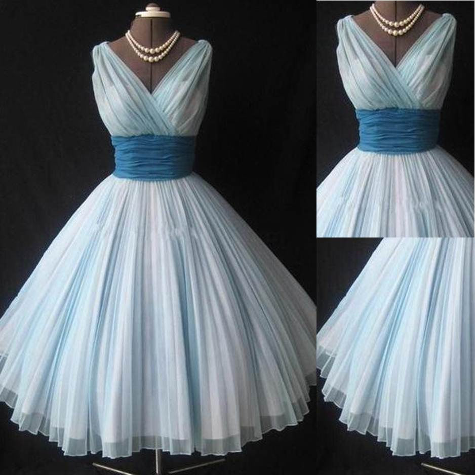 75% OFF!Pleated V-Neck Ball Gown Tulle Prom Dresses 2017