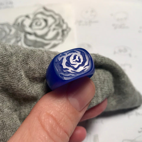 Dripping rose signet wax carving