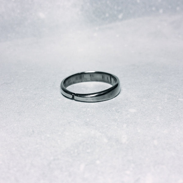 Thin Band Ring ~ Simple