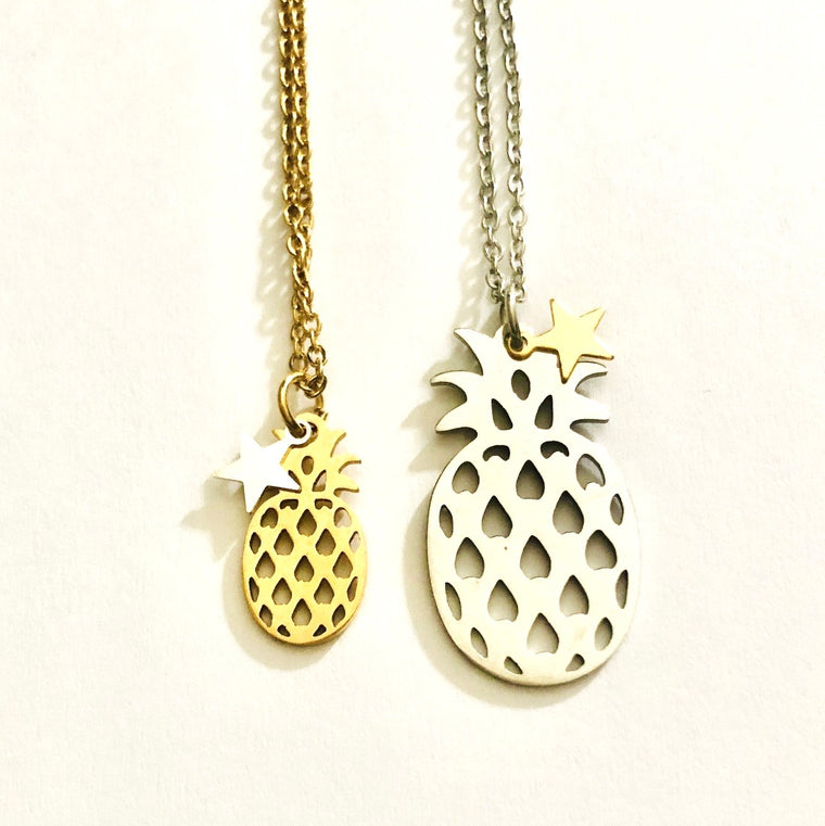 Mother and daughter pineapple necklace set