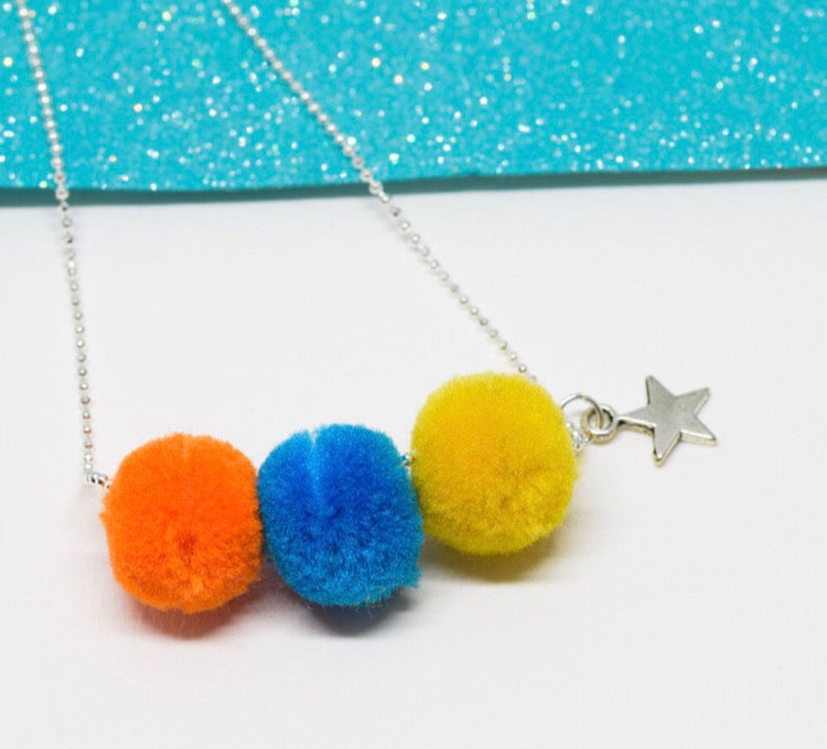 Star Pompom necklace