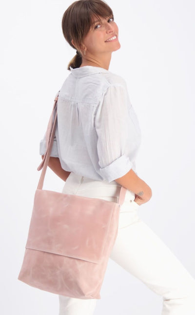 Leather Messenger Bag, Womens Satchel, Leather Cross Body Bag, Leather Satchel, Laptop messenger Bag, Personalized Bag, Custom Leather Bag, Work Bag, Leather Work Bag, Leather Crossbody Bag, Student Bag, Handmade Leather Bag, Pink Messenger Bag, Pink Crossbody Bag, Pink Leather Messenger Bag, Pink Leather Crossbody Bag ||Pink||