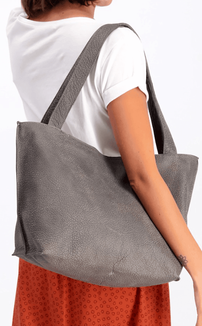 brown leather tote, tote bag, handbag, leather bag, shoulder bag, leather tote bag, tote bag with zipper, handmade bag, woman leather bag, soft leather , italian leather bag, Caramel Leather Tote ||Gray||