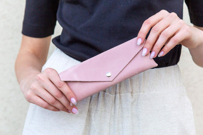 leather sunglasses case, leather pouch, leather envelope pouch, small gift, accessories, pink leather case, pencils case, handmade leather, ||Pink||