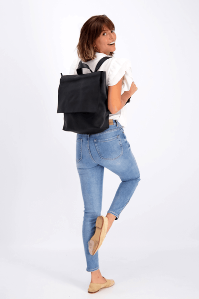 bags and handbags,  handmade backpack, black backpack, Travel backpack,  Leather backpack women's, Messenger backpack, Zipper backpack, Laptop backpack , mayko bags, handmade bag, Woman Leather Backpack, Woman Backpack, Backpack, Leather Backpack, Large Backpack, Backpack, Handmade Backpack, Handcrafted, Minimalistic Design, Everyday Bag, Travel Bag ||Black||
