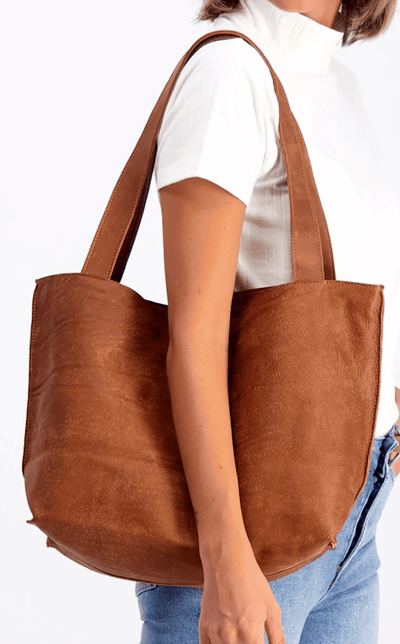 brown leather tote, tote bag, handbag, leather bag, shoulder bag, leather tote bag, tote bag with zipper, handmade bag, woman leather bag, soft leather , italian leather bag, Caramel Leather Tote ||Caramel||