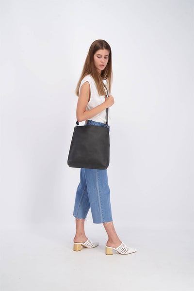 Leather Tote Bag, Convertible Bag, Leather Bag, Leather Zipper Tote Bag, Foldover Crossbody Bag, Woman Leather Purse, Leather Purse, Leather Pouch, woman's Bag, Woman's Purse, Handmade Bag, Leather Purse, Leather Tote, Multi-Purpose Bag, Casual Bag, Black Leather Bag ||Black||