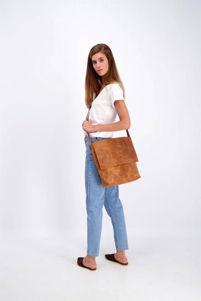 Messenger Bag, Crossbody Bag, Leather Messenger Bag, Leather Crossbody Bag, Women's Messenger Bag, Women's Crossbody Bag, Brown Messenger Bag, Brown Crossbody Bag, Leather Bag For Women, Travel Bag, School Bag, Work Bag, Leather Gift, Gift Ideas For Women, Brown Leather Bag ||Brown||