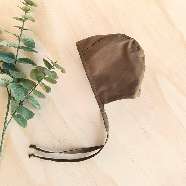 Classic Bonnet in Dark Khaki