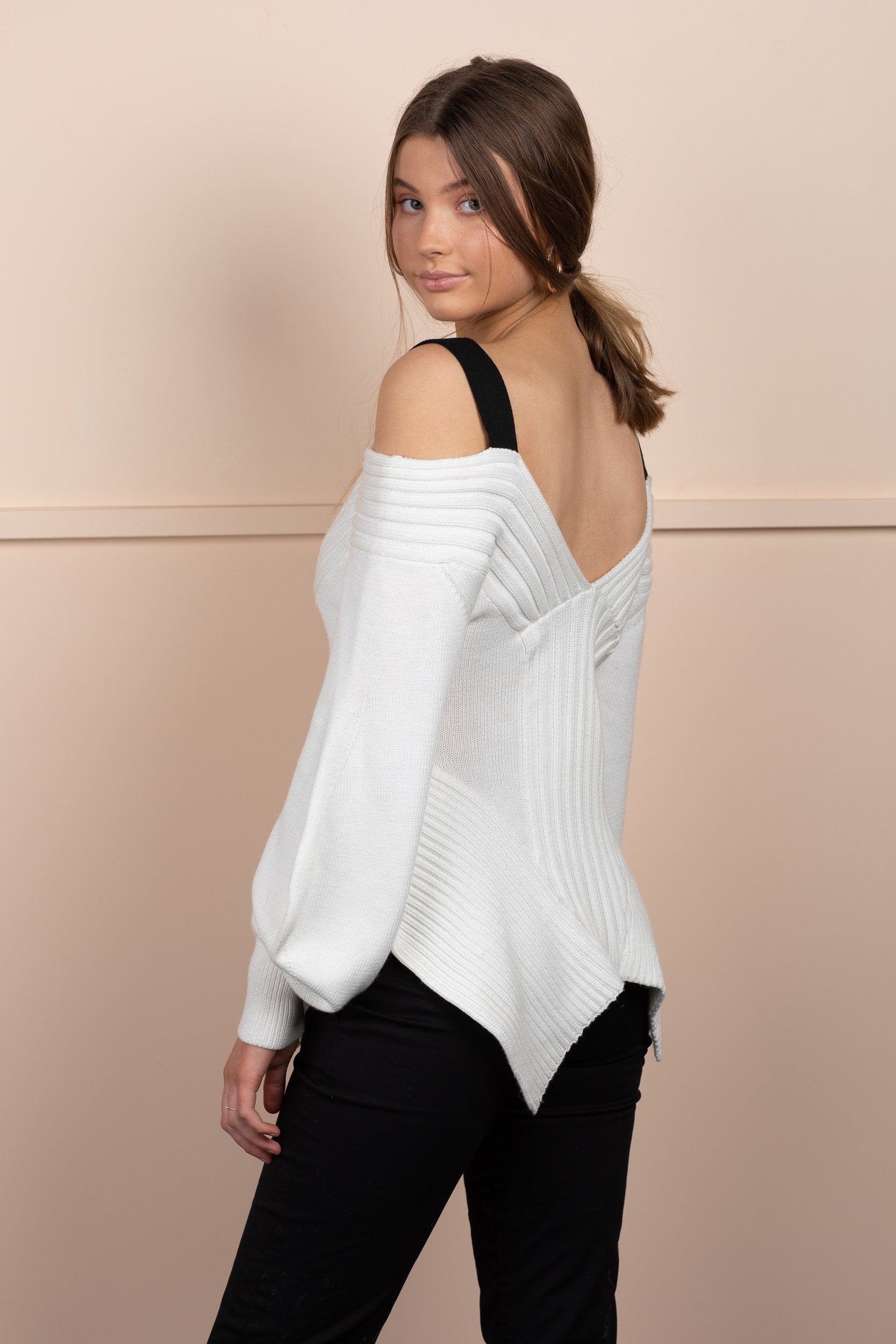 Hali Jumper - White/Black