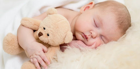 Sleeping baby, creating positive sleep associations, baby loves sleep