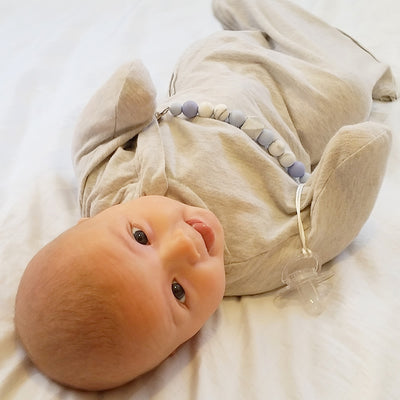 Baby Loves Sleep, swaddle wraps, startle reflex, moro reflex, swaddle suit, sleeping bag, sleep sack, newborn wraps
