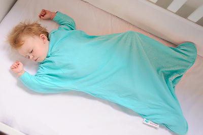 Sleepy Hugs, sleeping baby, swaddle transition, baby loves sleep, startle reflex, baby slee