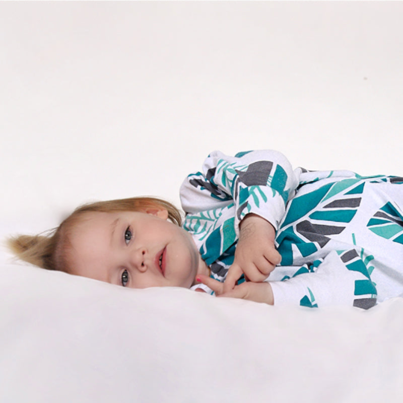 Sleepy Hugs, Hands In and Out, sleeping baby, swaddle transition, baby loves sleep, startle reflex, swaddle sleep sack, swaddle bag