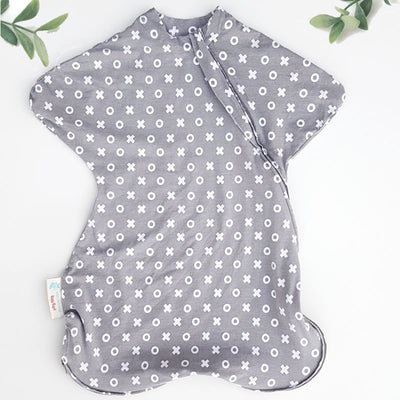 Sleepy Hugs, sleeping baby, swaddle transition, baby loves sleep, startle reflex, organic
