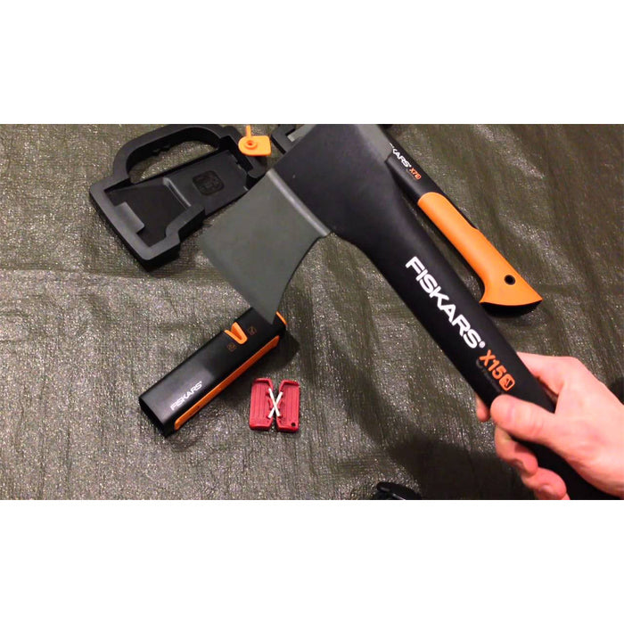 Fiskars XSharp Axe and Knife Sharpener 磨刀斧器