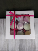 Load image into Gallery viewer, Bath Bomb Gift Box