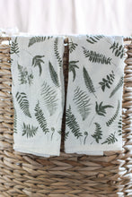 Load image into Gallery viewer, J & D Napkin Sets Fallen Ferns