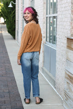 Load image into Gallery viewer, High Rise Boyfriend Jeans 13/30
