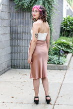 Load image into Gallery viewer, Mauve Satin Skirt Small