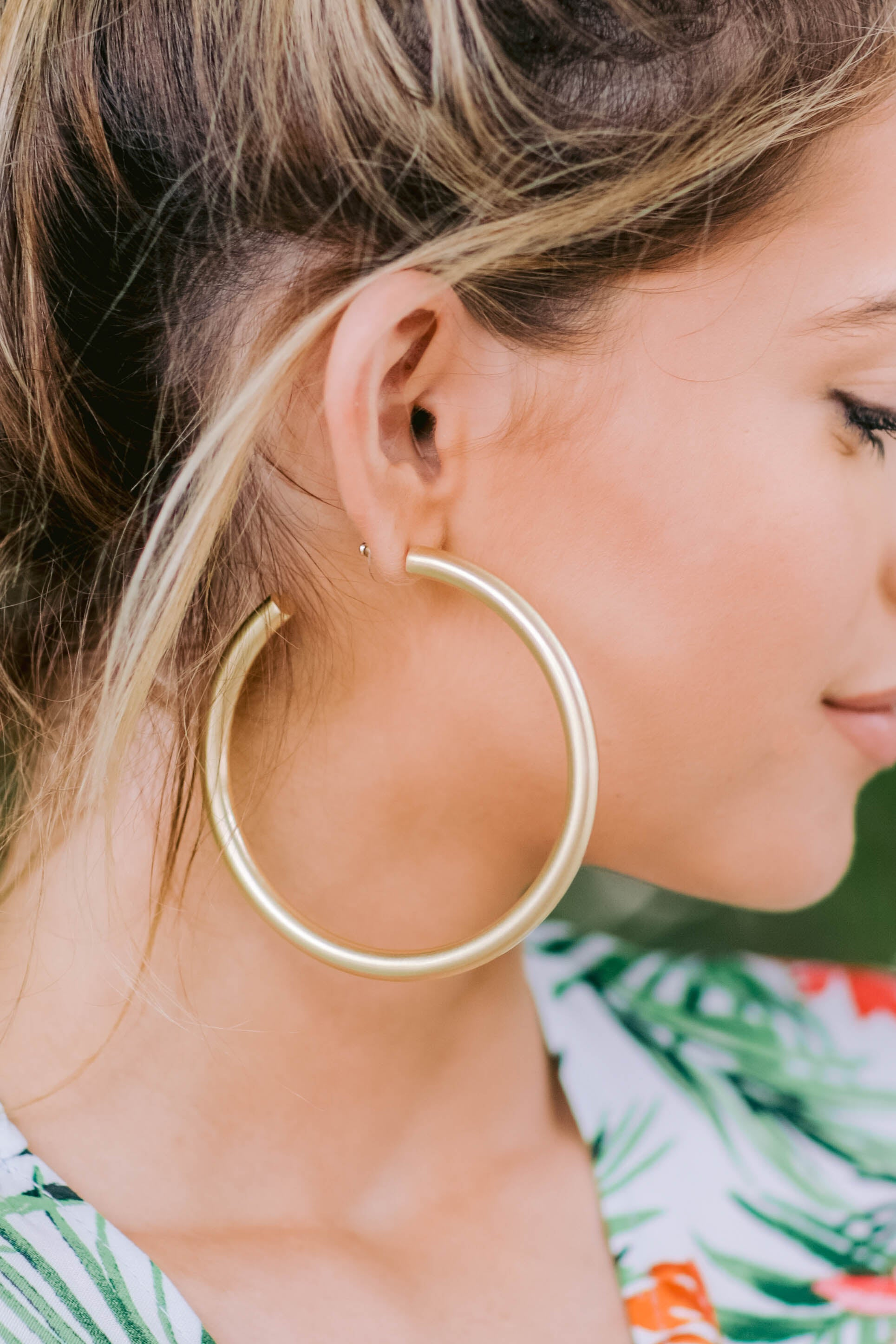 Nineties Babe Gold Hoop Earrings