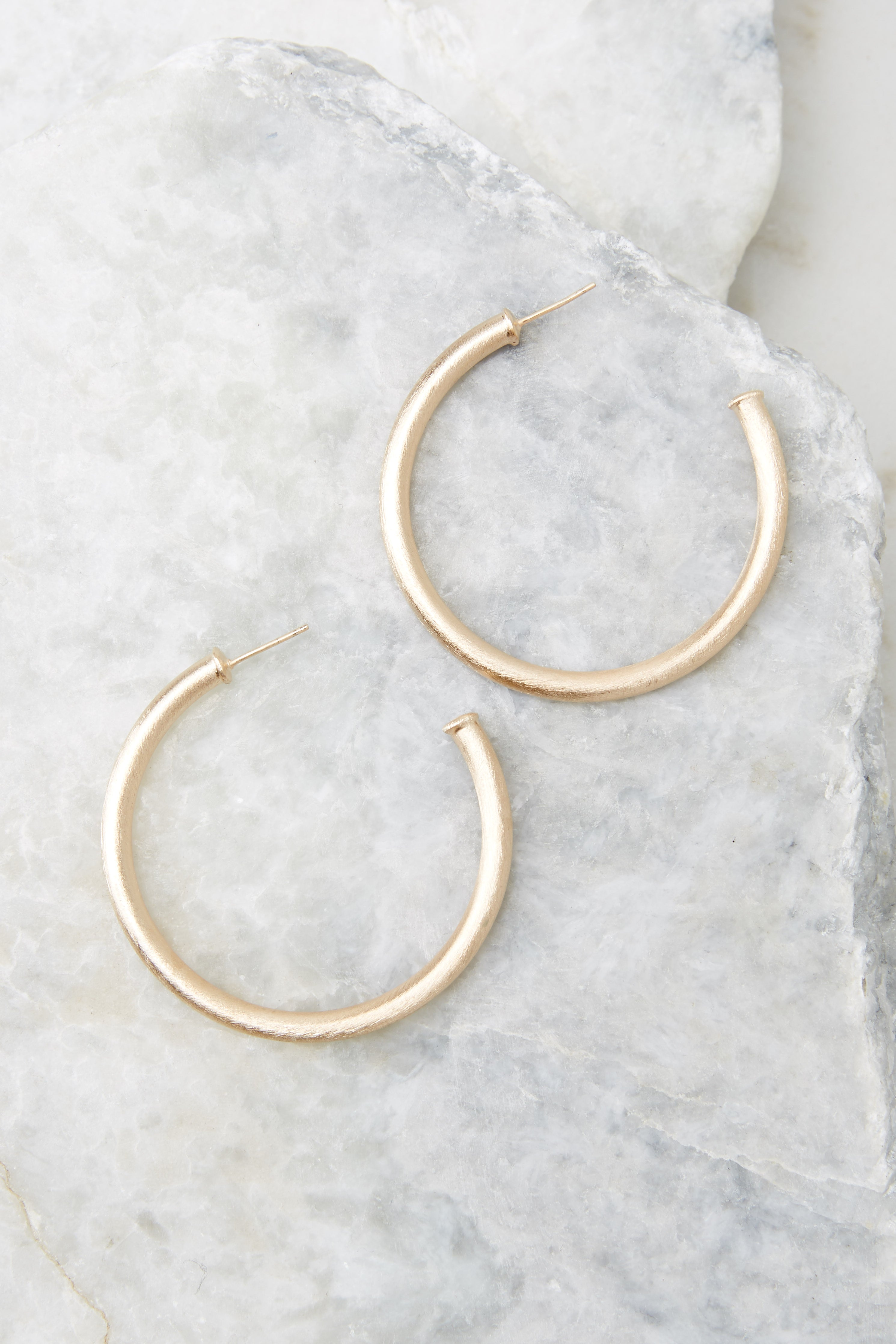 3 Everybody's Favorite Small Champagne Hoops at reddress.com