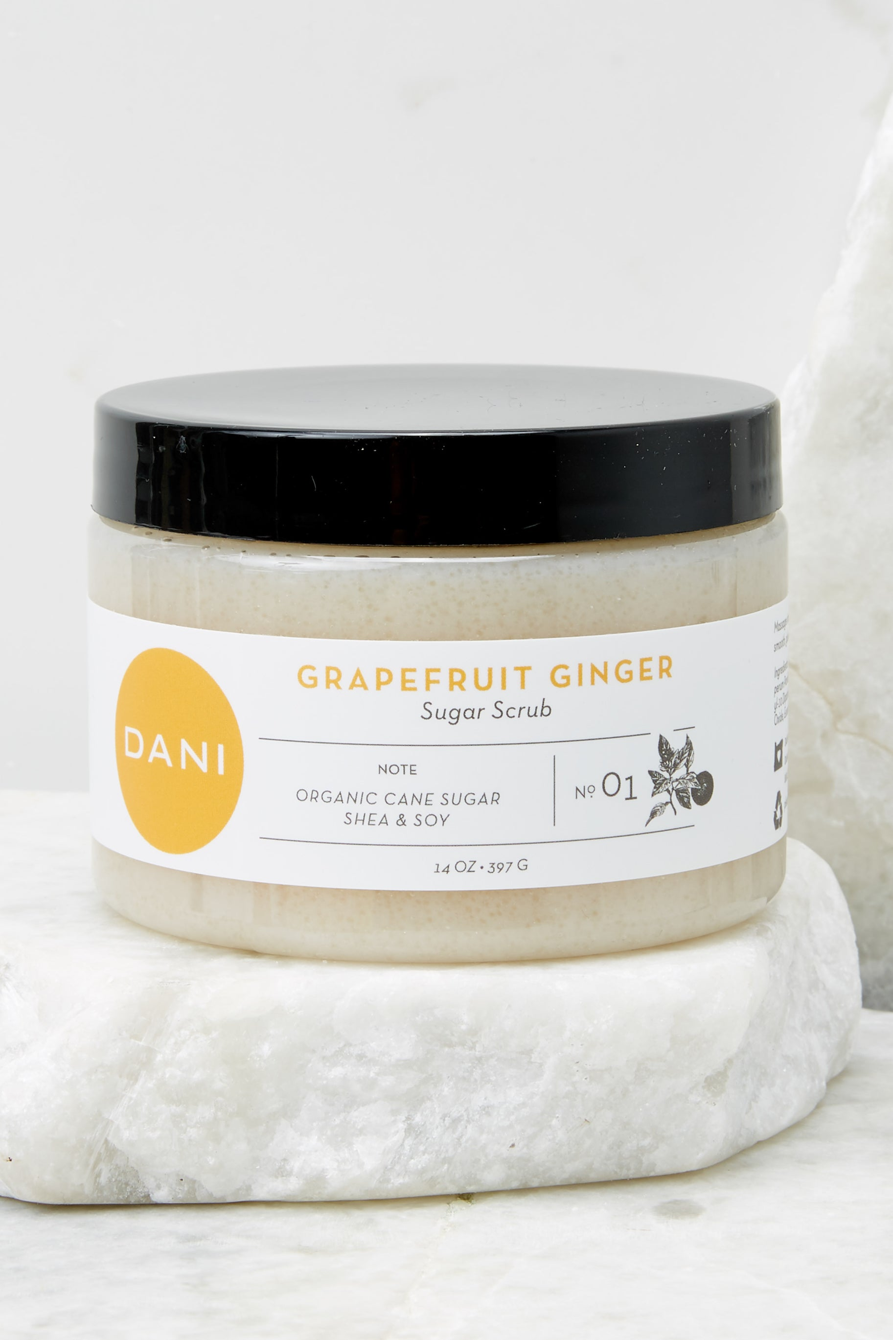 3 Grapefruit Ginger Essential Oil Sugar Scrub at reddress.com