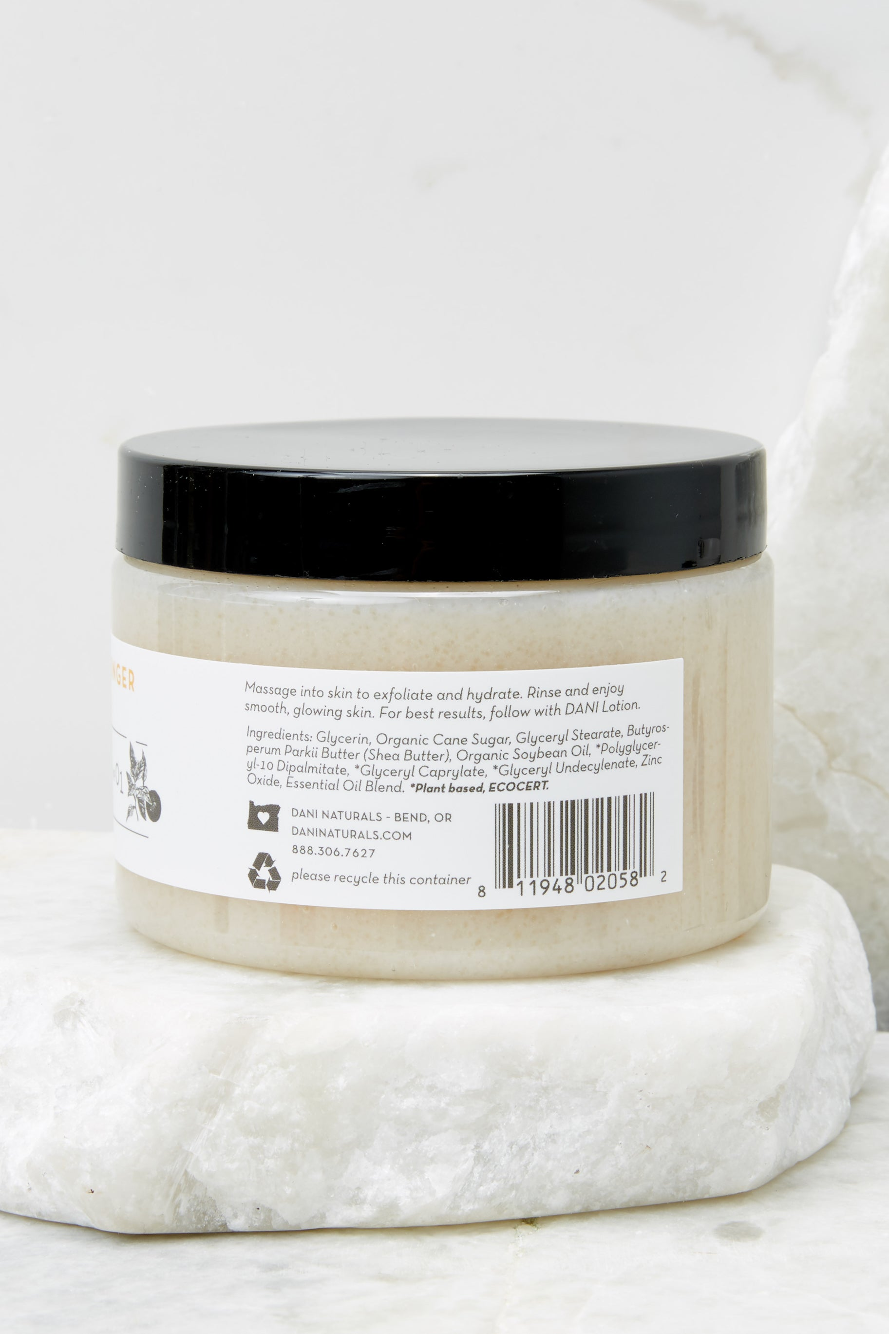 4 Grapefruit Ginger Essential Oil Sugar Scrub at reddress.com