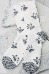 2 Paws Plush Socks at reddress.com