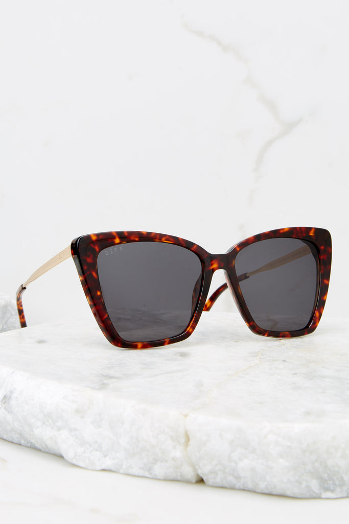 1 Becky II Wildcat Leopard Grey Sunglasses at Red Dress