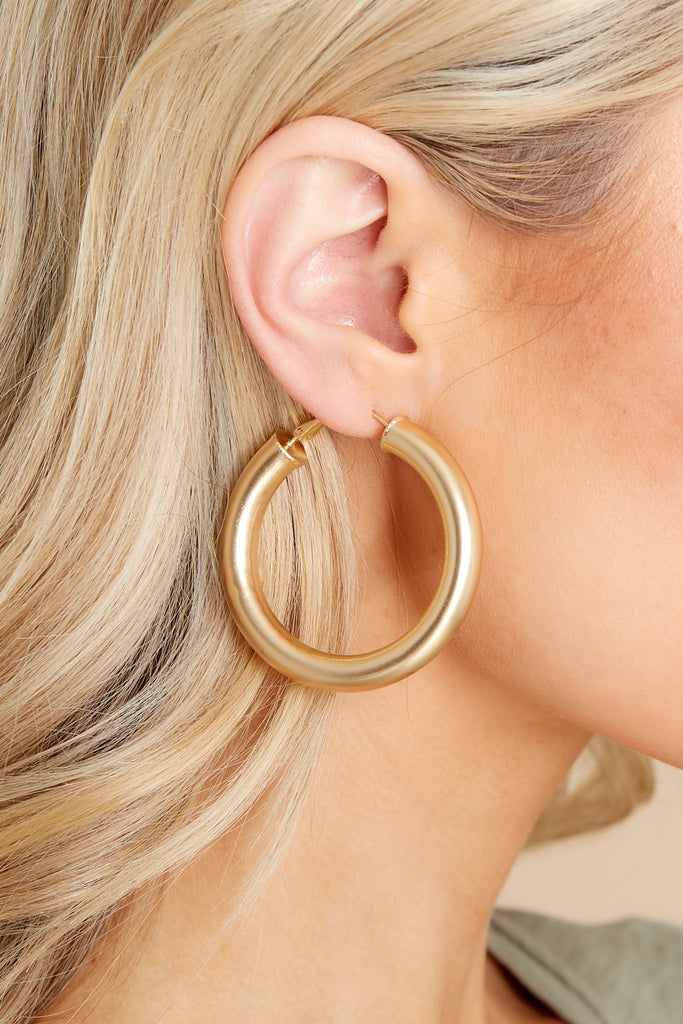 1 Sassy Queen Gold Hoops at reddress.com