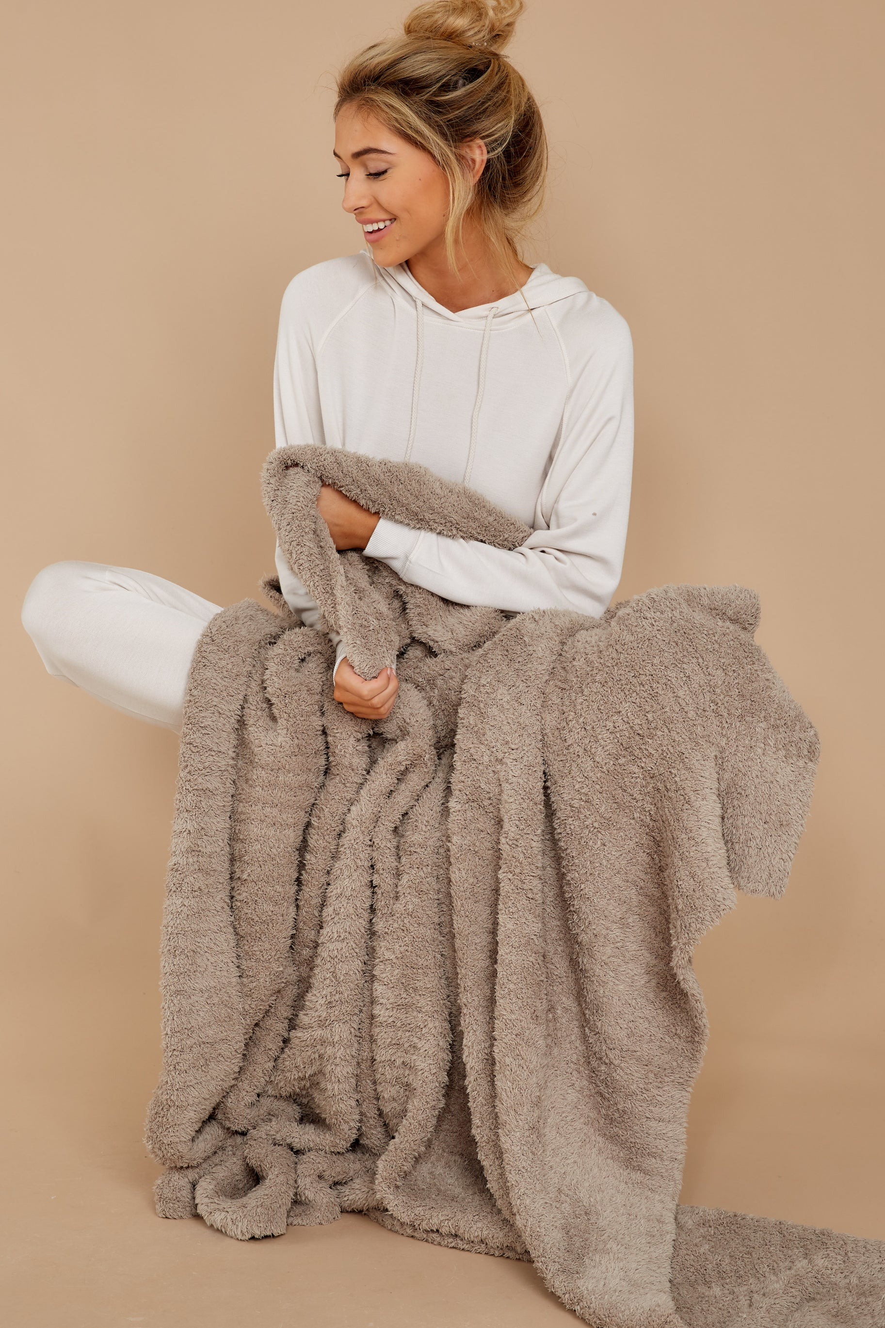 1 CozyChic® Sand Ribbed Throw at reddress.com