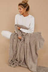 1 CozyChic® Sand Ribbed Throw at reddressboutique.com