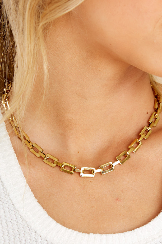 1 Moment Of Happiness Pearl Gold Choker at reddress.com