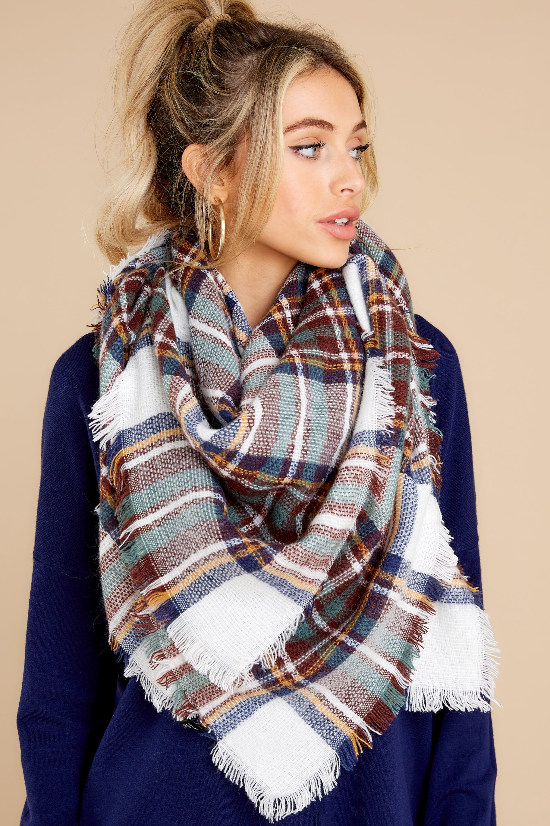 2 Chilled For The Day White And Navy Multi Plaid Scarf at reddress.com