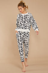 6 The Magnet Amur Leopard Jogger Pant at reddressboutique.com