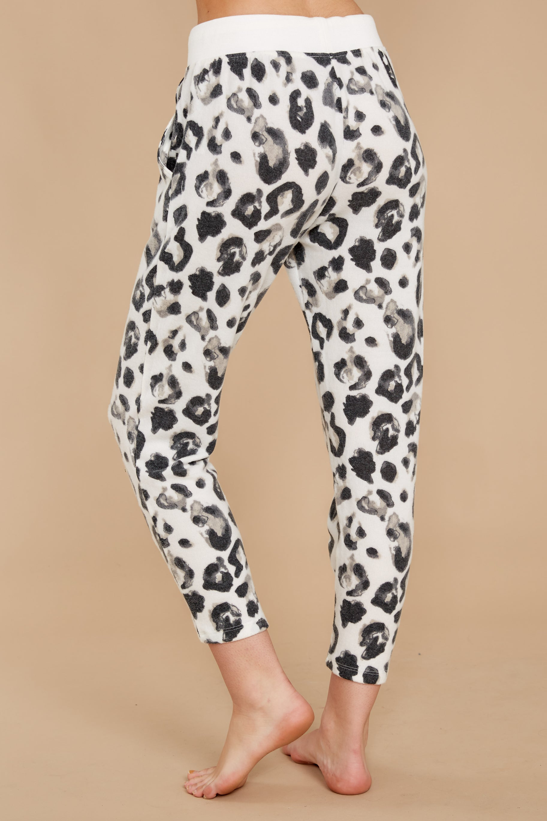 4 The Magnet Amur Leopard Jogger Pant at reddressboutique.com