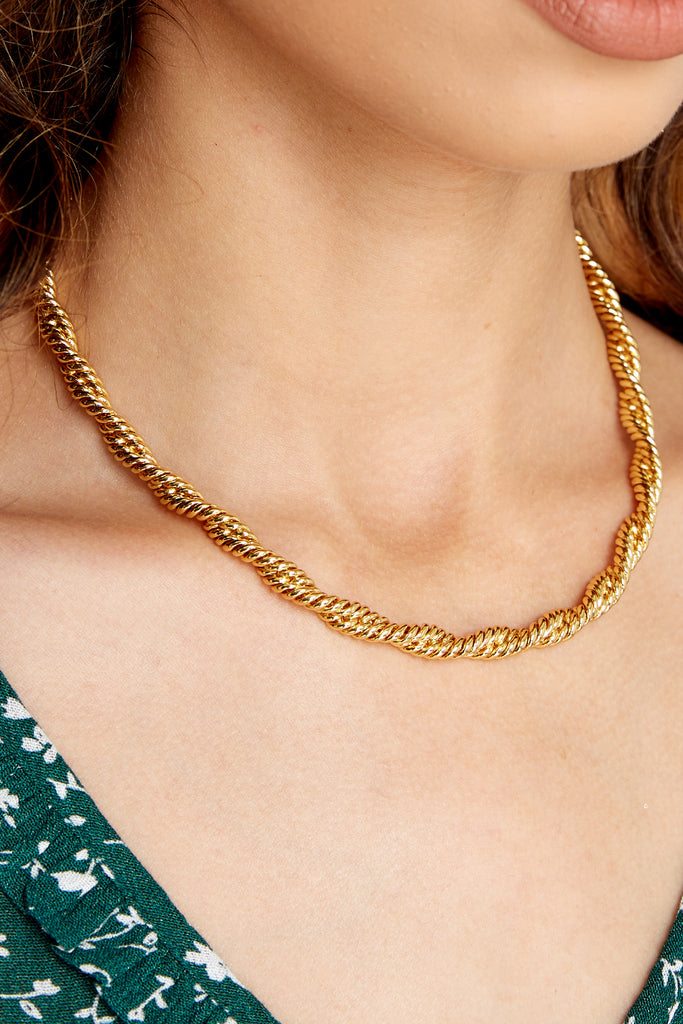 1 C'est La Vie Gold Lariat Necklace at reddress.com