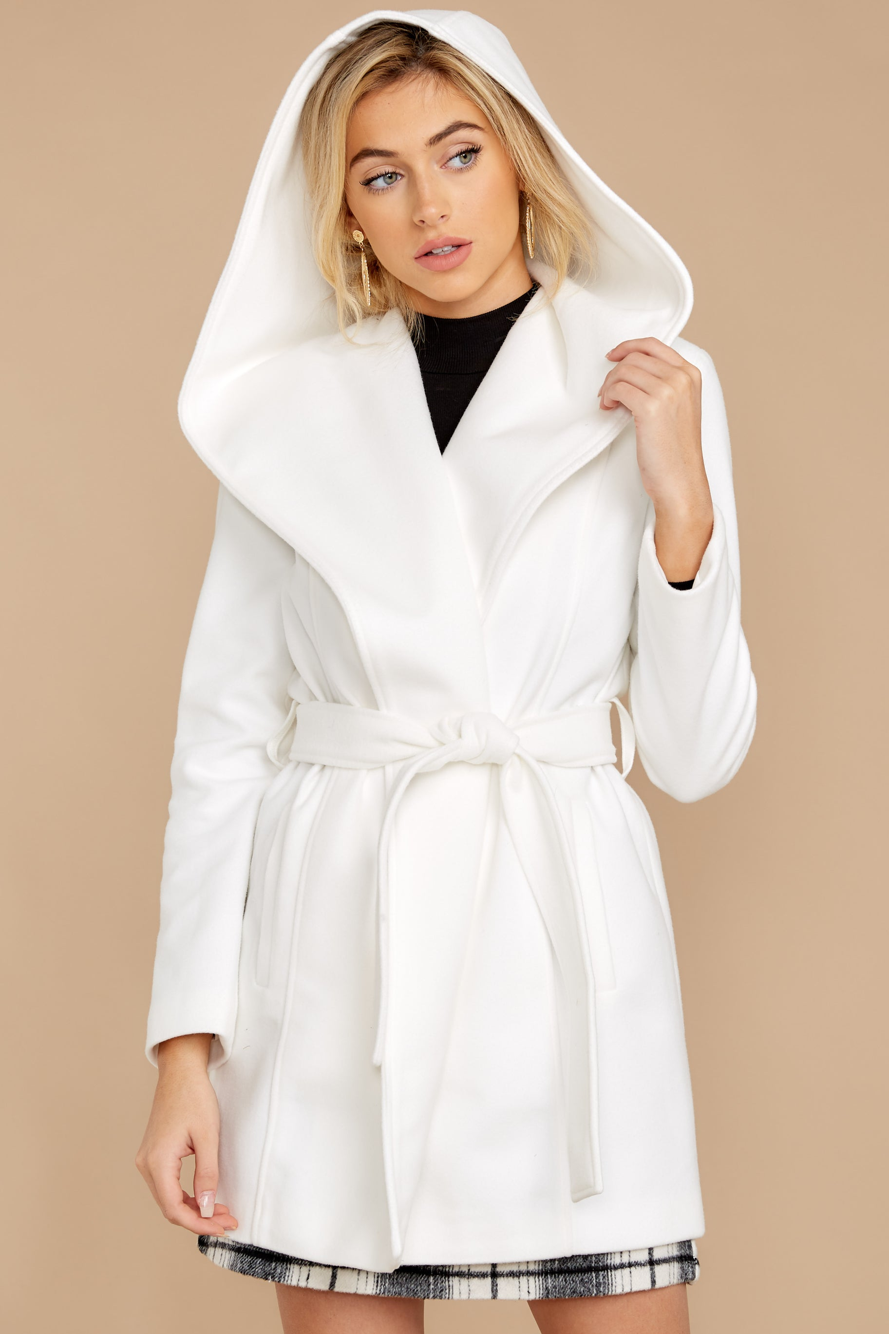 7 People To See White Coat at reddressboutique.com