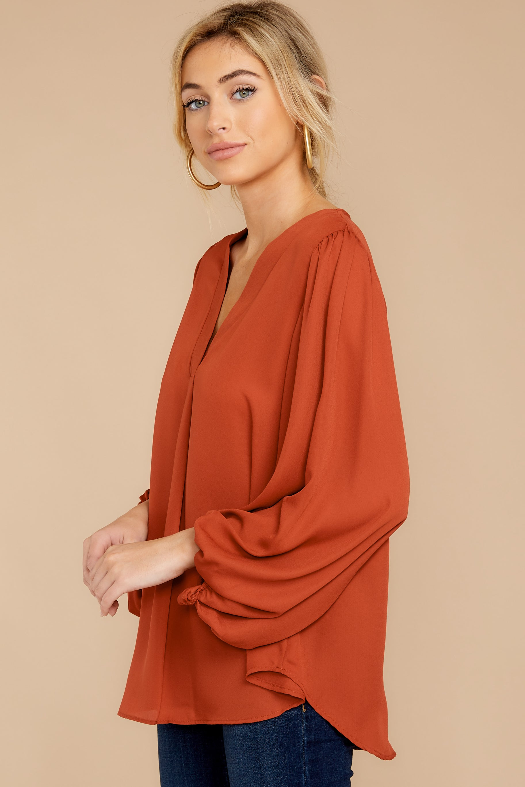 7 Around The Corner Rust Top at reddressboutique.com