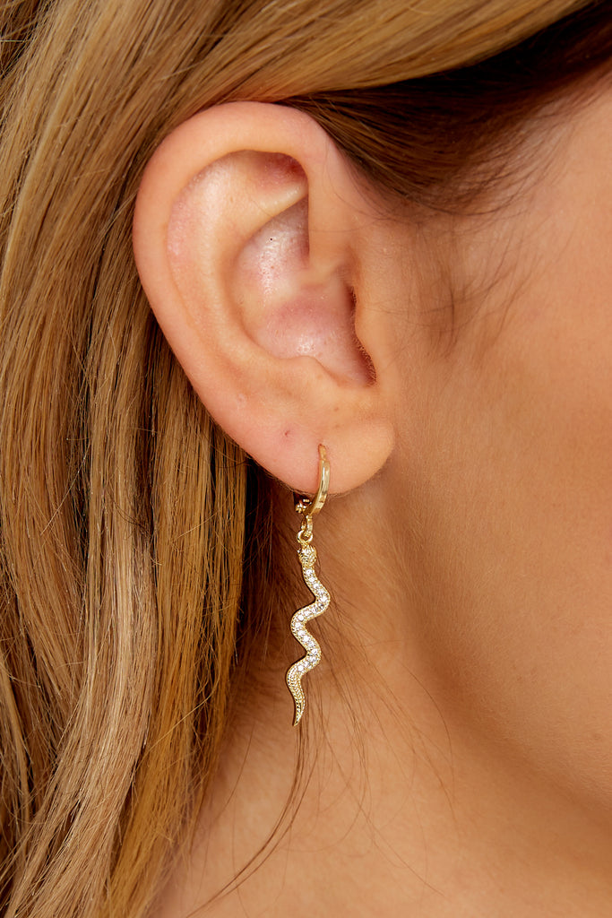 1 What A Welcome Rose Gold Earrings at reddress.com