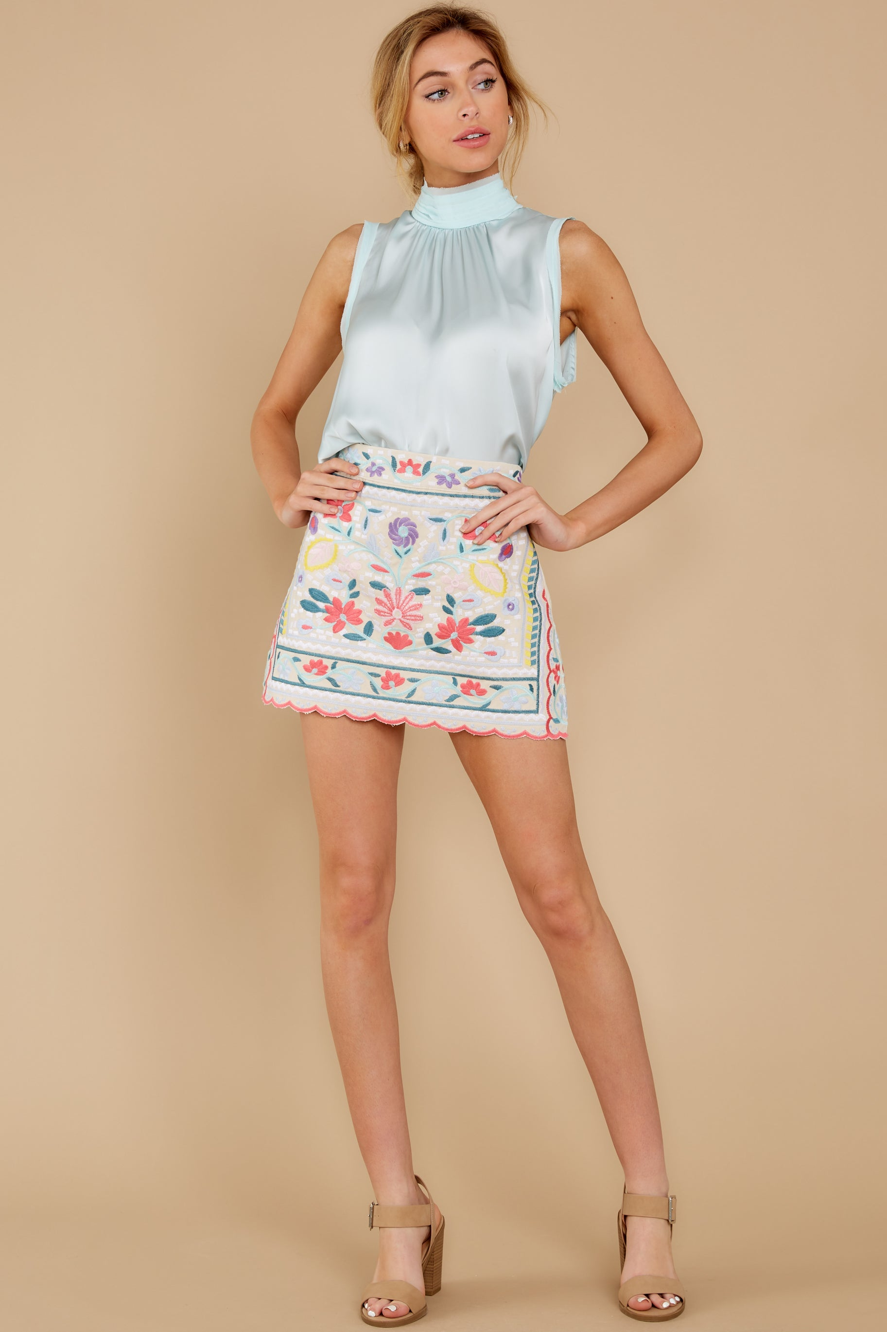 4 The Rational Choice White Embroidered Floral Skirt at reddress.com
