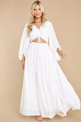 2 Going For This Off White Maxi Dress at reddress.com