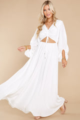 3 Going For This Off White Maxi Dress at reddress.com