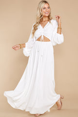 4 Going For This Off White Maxi Dress at reddress.com
