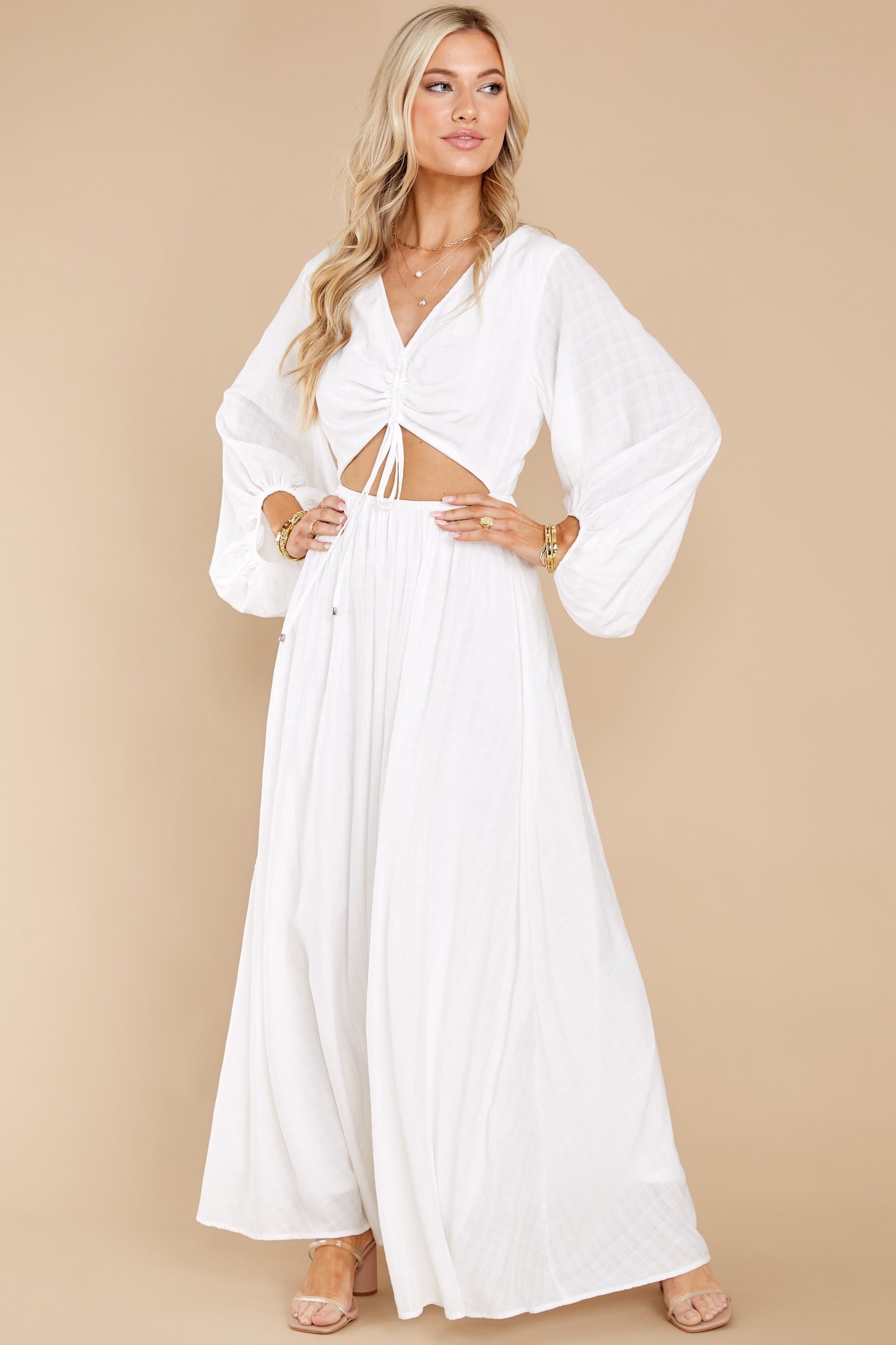 5 Going For This Off White Maxi Dress at reddress.com