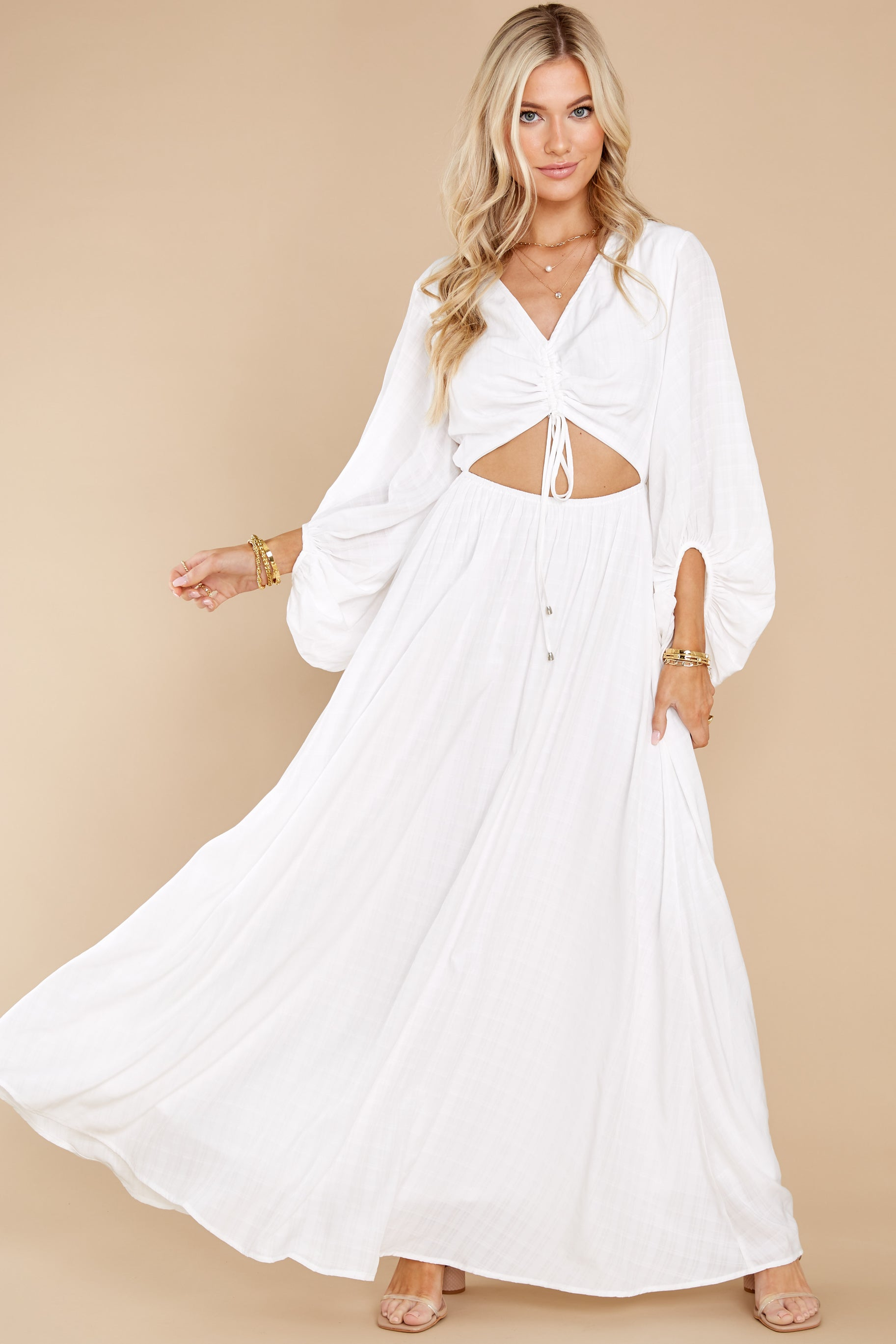 6 Going For This Off White Maxi Dress at reddress.com